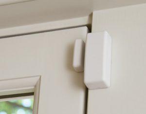 کنترل درهای حساس و پنجرهها